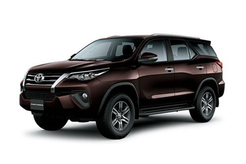 8. Toyota Fortuner (doanh số: 12.667 chiếc).