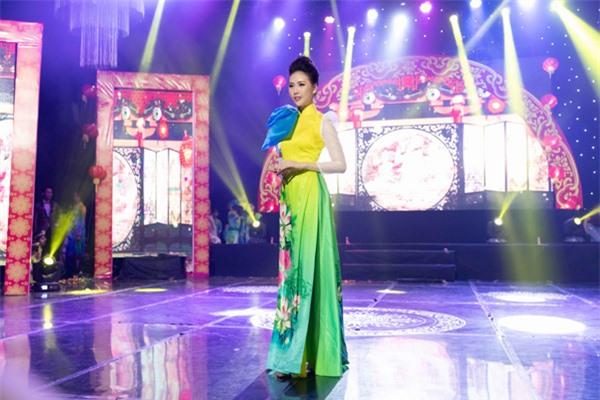 Có 5-6 đại gia muốn quan hệ tình cảm nhưng giải vàng Siêu mẫu Việt Nam 2018 từ chối vì lý do này - Ảnh 6.