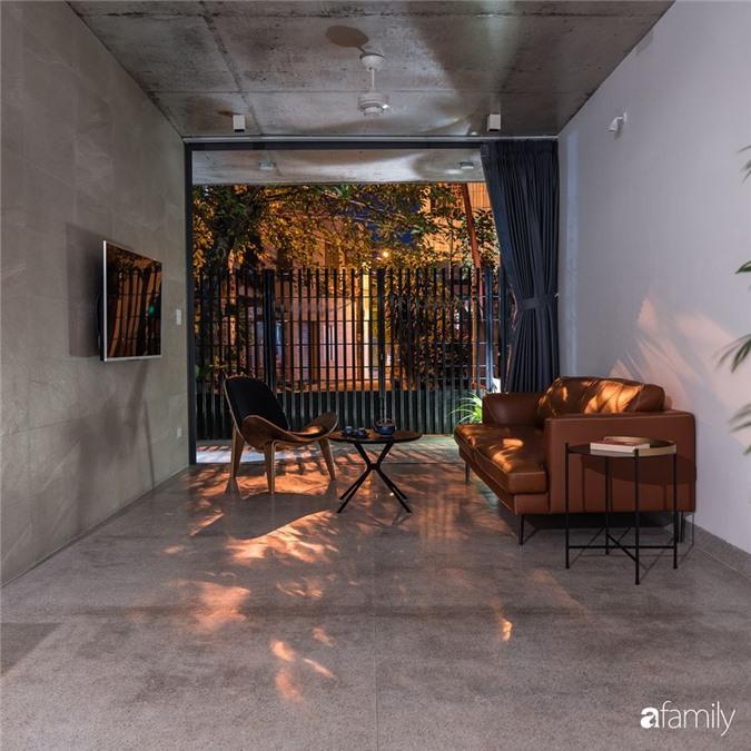 Ngôi nhà phố đẹp tinh tế với bản hòa tấu giữa vật liệu gỗ và ánh sáng ở Quy Nhơn dành cho gia đình 4 người - Ảnh 6.