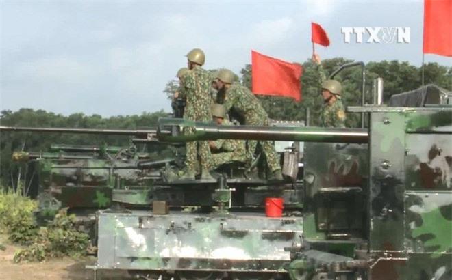 Khong tin noi: Viet Nam da co 6 kieu phao tu hanh banh xich-Hinh-4