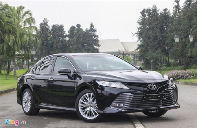 Toyota Camry 2019 thay đổi nhiều ở nội, ngoại thất.