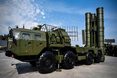 Quân đội Thổ Nhĩ Kỳ mới đây đã công bố những hình ảnh và kết quả thử nghiệm đối với hệ thống tên lửa phòng không tầm xa S-400 Triumf mà nước này mua từ Nga.