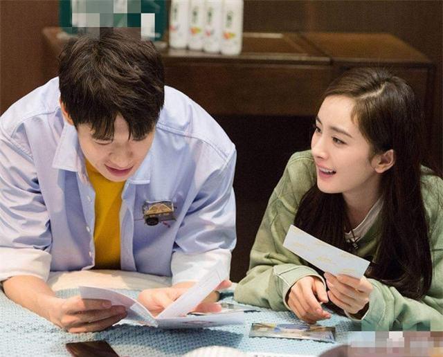 2 ngôi sao thất thủ vì PR tình yêu quá lố: Thẩm Nguyệt bị xóa vai diễn, Ngụy Đại Huân bị Dương Mịch đá bay - Ảnh 4.