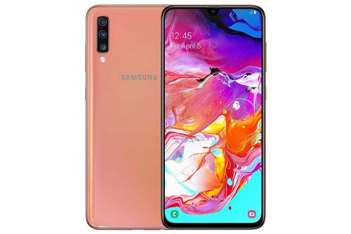 Samsung Galaxy A70 (9,29 triệu đồng xuống 8,79 triệu đồng).