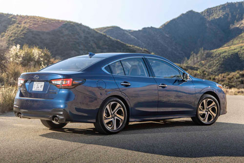 7. Subaru Legacy 2020.