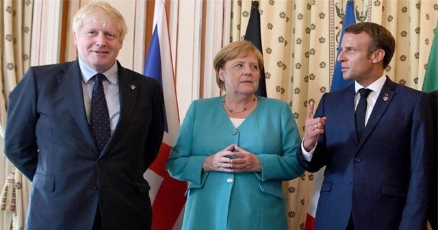 Anh, Pháp, Đức giáng đòn lên Iran giữa lúc căng thẳng - 1