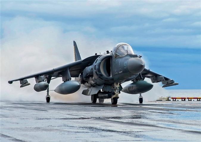 Cuong kich ha canh thang dung AV-8B Harrier My dieu den sat Iran manh co nao?-Hinh-2