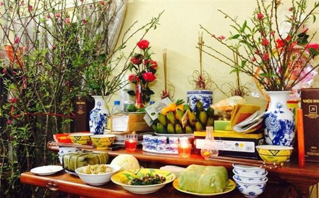 Mẹo chọn mua hương ngày Tết để vừa đẹp bàn thờ lại vừa đảm bảo sức khỏe gia đình - Ảnh 1.