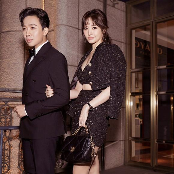 Hari Won xuất hiện với set đồ sang trọng toàn thương hiệu Chanel.