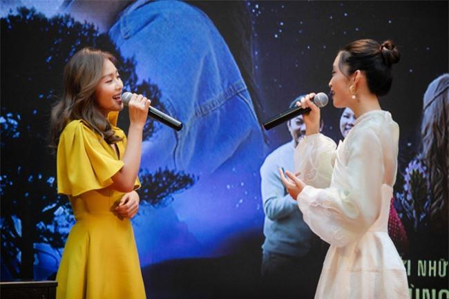 Khả Ngân gây chú ý với nhan sắc rực rỡ, hát live ngẫu hứng mỹ nữ The Voice  - Ảnh 5.