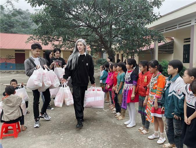 """Phat hon"" voi gu thoi trang ""chat lu"" cua hot boy Denis Dang-Hinh-6"