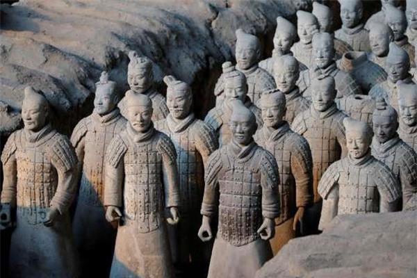 Su that qua choang tuong binh si mau xanh trong mo Tan Thuy Hoang-Hinh-2