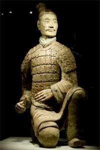 Su that qua choang tuong binh si mau xanh trong mo Tan Thuy Hoang-Hinh-9