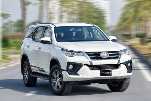 """Toyota Fortuner dự báo """"cháy"""" hàng dịp Tết vì ưu đãi """"khủng"""""""