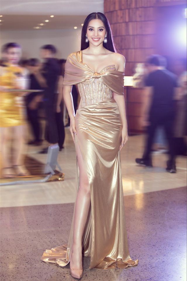 Đỗ Mỹ Linh tự tin đọ sắc với hai Hoa hậu thế hệ 2K - Ảnh 6.