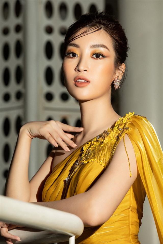 Đỗ Mỹ Linh tự tin đọ sắc với hai Hoa hậu thế hệ 2K - Ảnh 7.