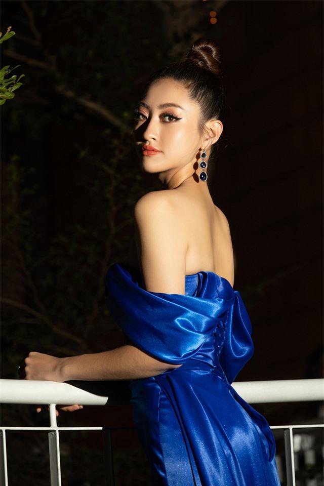 Đỗ Mỹ Linh tự tin đọ sắc với hai Hoa hậu thế hệ 2K - Ảnh 9.