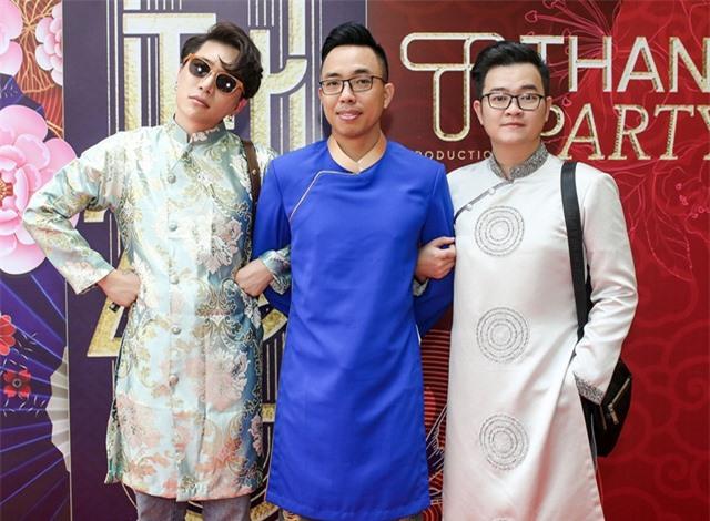 Hồ Ngọc Hà ngại ngùng khi hát lô tô cùng đoàn nghệ sĩ chuyên nghiệp - 12