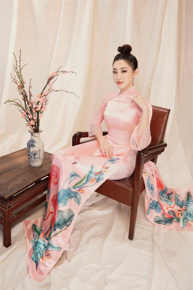Lương Thùy Linh đẹp say lòng người với bộ ảnh áo dài Tết - Ảnh 3.