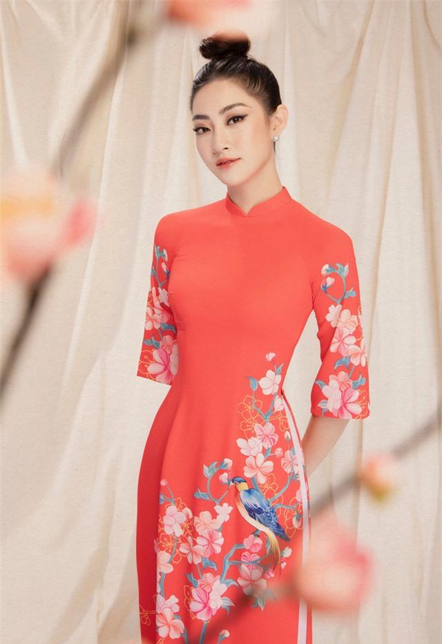 Lương Thùy Linh đẹp say lòng người với bộ ảnh áo dài Tết - Ảnh 4.