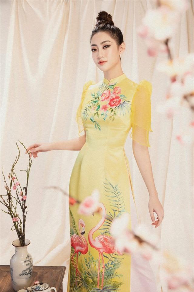 Lương Thùy Linh đẹp say lòng người với bộ ảnh áo dài Tết - Ảnh 8.