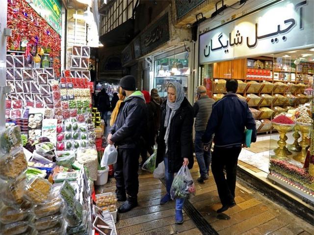 Vì sao nền kinh tế Iran đủ chống đỡ trước đòn trừng phạt của Mỹ? - 1