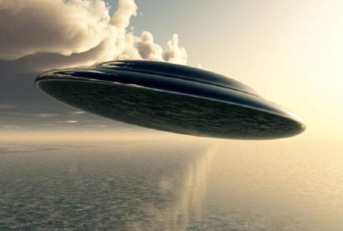UFO xuất hiện ở nhiều nơi trên thế giới trong suốt thời gian qua gây xôn xao dư luận.