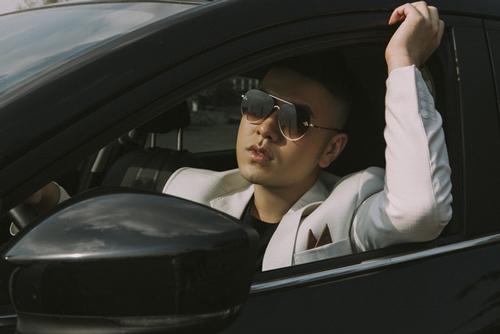 Akira Phan đẹp trai tái xuất sau khi dao kéo hết 300 triệu, hút mỡ toàn thân