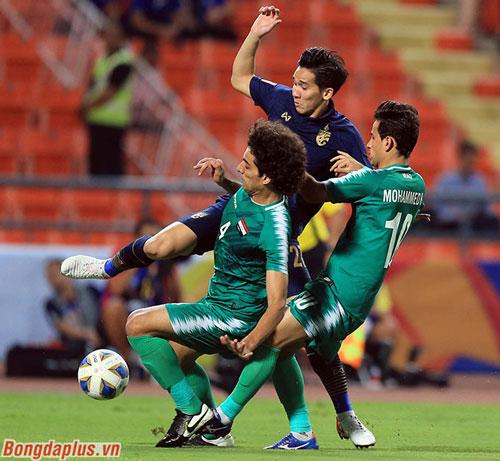U23 Thái Lan cũng vượt qua vòng bảng với 4 điểm, gặp 1 đội Tây Á ở tứ kết giống U23 Việt Nam 2 năm trước - Ảnh: Minh Tuấn