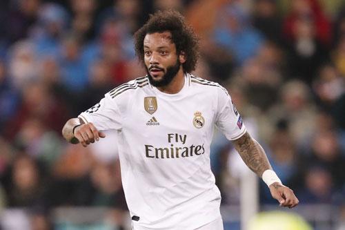 =8. Marcelo (mức lương: 150.000 bảng).