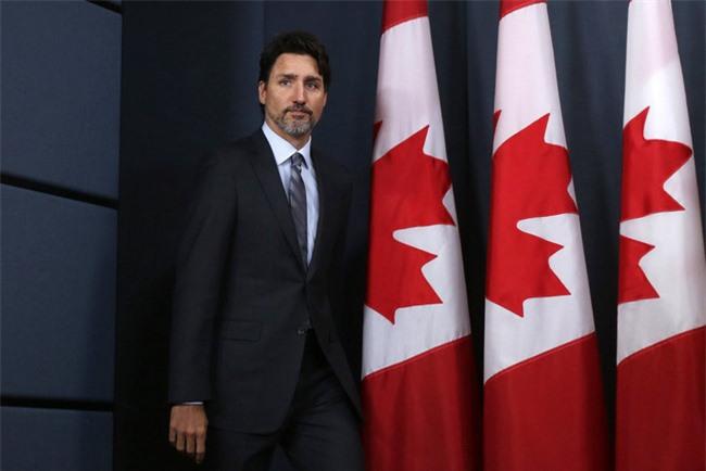 """Canada không cấp đặc quyền cho vợ chồng Meghan Markle, cặp đôi hoàng gia rơi vào tình trạng """"tiến thoái lưỡng nan"""" - Ảnh 3."""