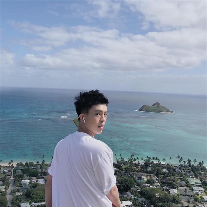 Con trai Hoa hậu Thu Hoài được chú ý vì vẻ ngoài điển trai hệt như nam chính phim ngôn tình - Ảnh 11.