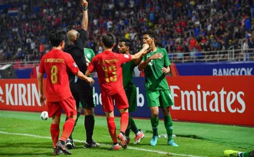 LĐBĐ Thái Lan không hài lòng với những quyết định của trọng tài người Oman
