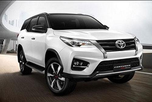 """XE HOT (19/1): Toyota Fortuner """"cháy"""" hàng dịp Tết, bảng giá xe Brixton tháng 1"""