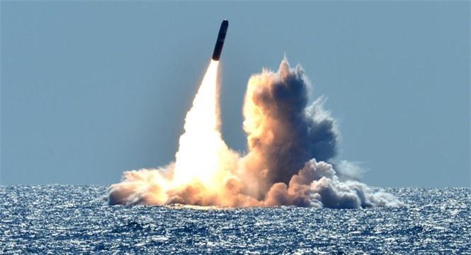 Chiến tranh Mỹ Iran sức mạnh quân sự lực lượng ủy nhiệm máy bay tàu chiến tên lửa Trung Đông - ảnh 5