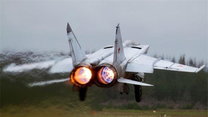 MiG-25 la tiem kich danh chan tot nhat the gioi?-Hinh-13