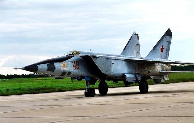 MiG-25 la tiem kich danh chan tot nhat the gioi?-Hinh-4