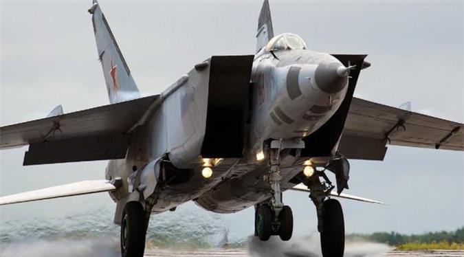 MiG-25 la tiem kich danh chan tot nhat the gioi?-Hinh-5