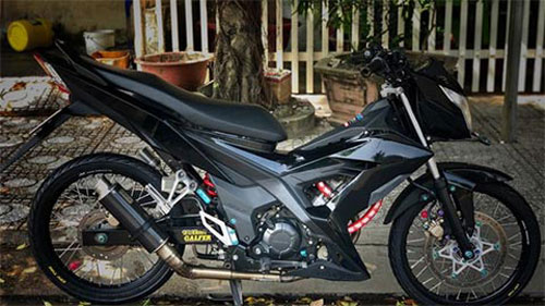 """Honda Sonic """"độ đẹp siêu ngầu"""" khiến Yamaha Exciter 2020, Suzuki Raider suy sụp"""