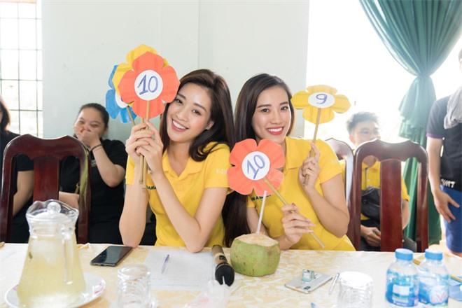 Á hậu Thúy Vân phản pháo khi bị nói thường xuyên không tham gia hoạt động cùng Khánh Vân và Kim Duyên vì bất mãn danh hiệu  - Ảnh 4.