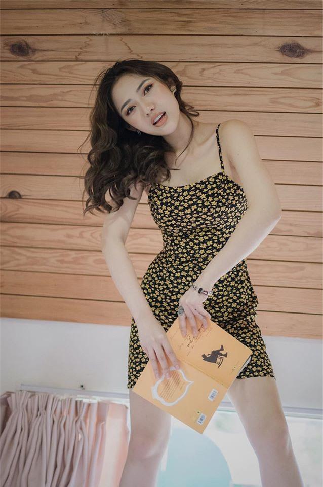 """Bat ngo voi gu thoi trang dau troc sexy cua nu dien vien """"Song chung voi me chong""""-Hinh-4"""