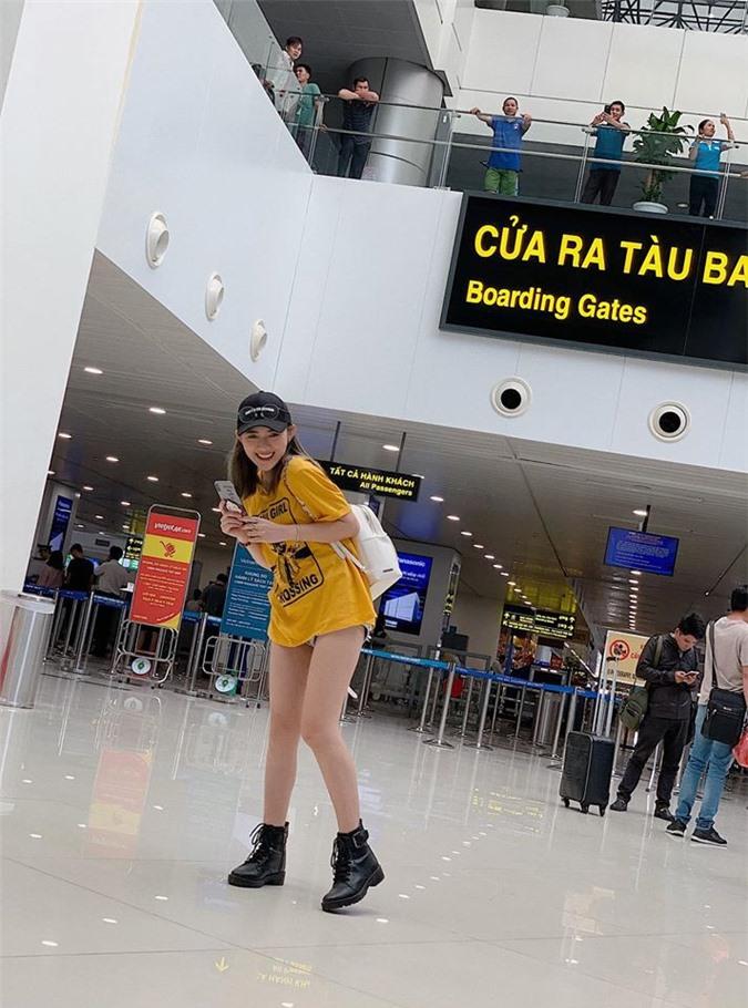 """Bat ngo voi gu thoi trang dau troc sexy cua nu dien vien """"Song chung voi me chong""""-Hinh-9"""