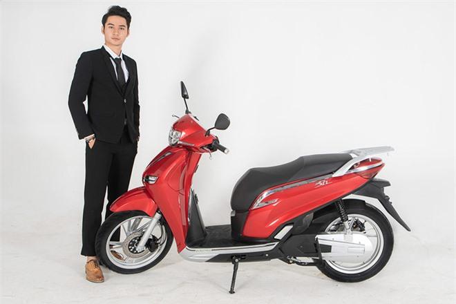 Chưa đầy 10 ngày ra mắt, xe máy made in Vietnam giống với Honda SH đột ngột tăng giá bán - Ảnh 1.