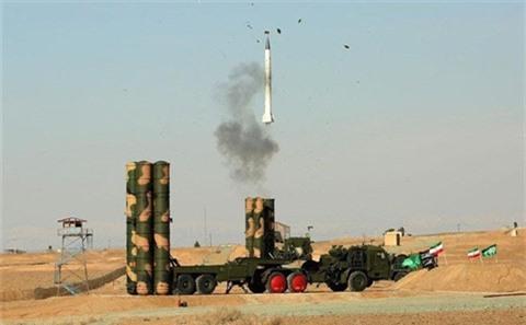 Iraq xem xet khan truong mua S-400 Triumf
