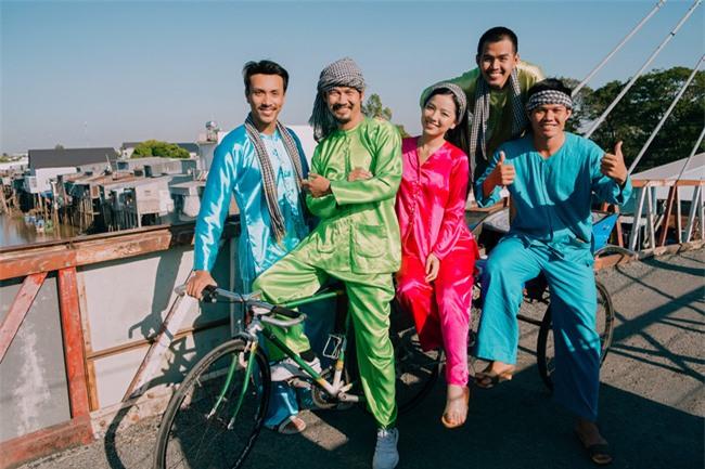 """""""Lật mặt - 48h"""": Vợ chồng Lý Hải - Minh Hà cùng 4 con xinh xắn chụp ảnh Tết - Ảnh 14."""