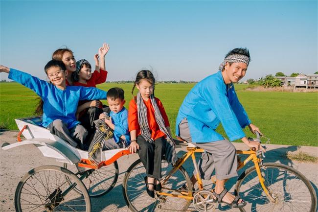 """""""Lật mặt - 48h"""": Vợ chồng Lý Hải - Minh Hà cùng 4 con xinh xắn chụp ảnh Tết - Ảnh 4."""