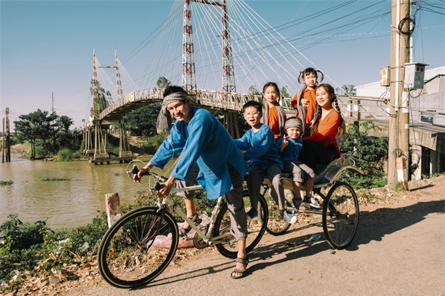 """""""Lật mặt - 48h"""": Vợ chồng Lý Hải - Minh Hà cùng 4 con xinh xắn chụp ảnh Tết - Ảnh 6."""