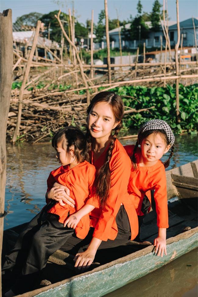 """""""Lật mặt - 48h"""": Vợ chồng Lý Hải - Minh Hà cùng 4 con xinh xắn chụp ảnh Tết - Ảnh 9."""