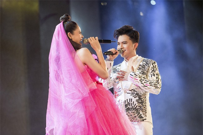 """Nam Cường quỳ gối """"cầu hôn"""" Trương Quỳnh Anh  - Ảnh 5."""