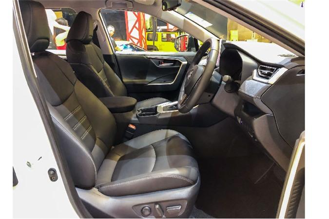 Toyota RAV4 toi 2,27 ty dong tai Singapore, sap ve VN?-Hinh-8